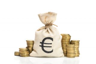 rahasäkki ja kolikoita