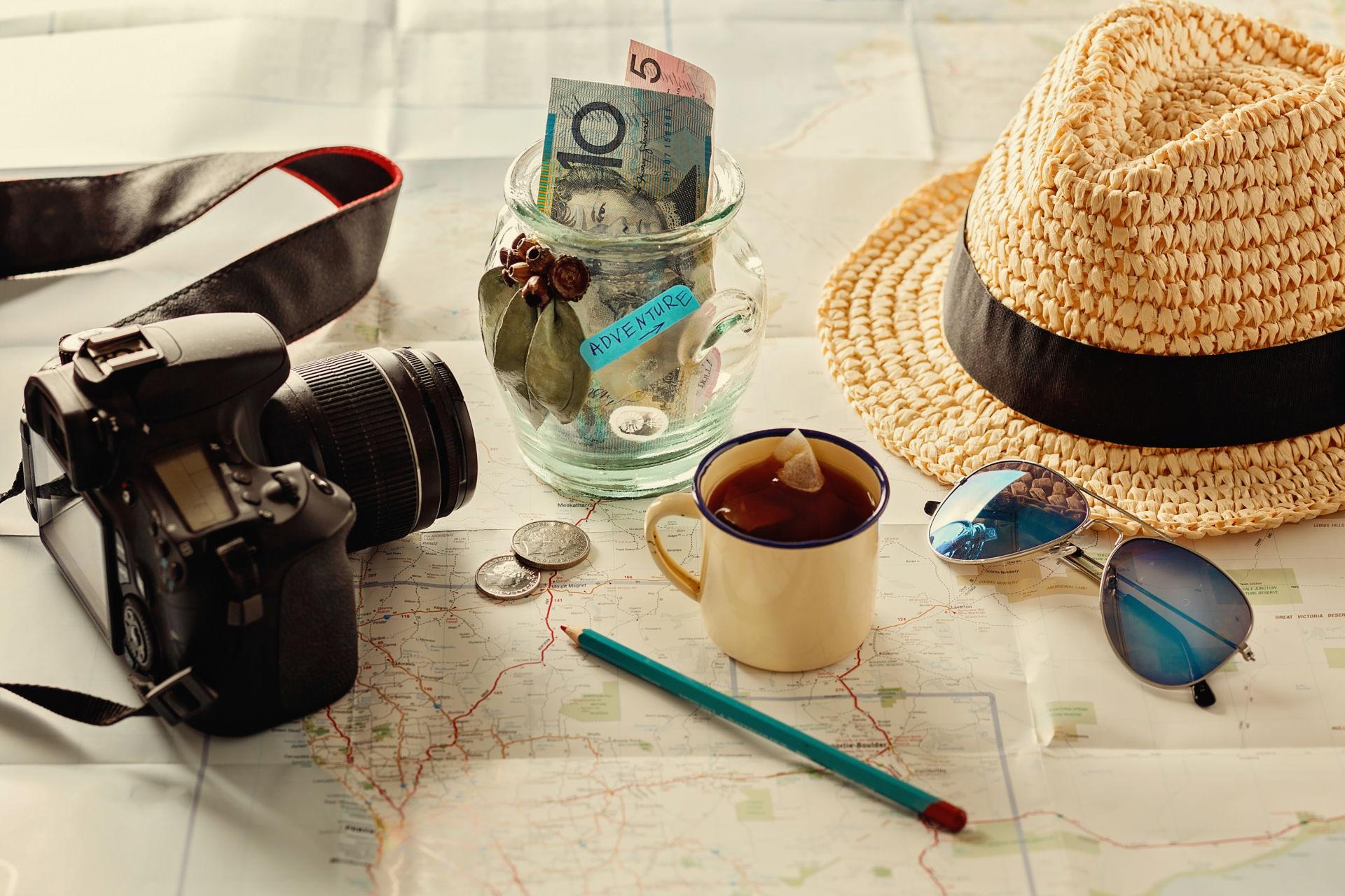 Matkavakuutus auttaa, jos matkustaessa sattuu jotain odottamatonta.